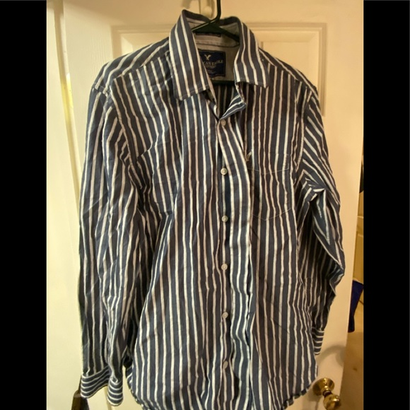 Mens XL American Eagle Outfitters shirt